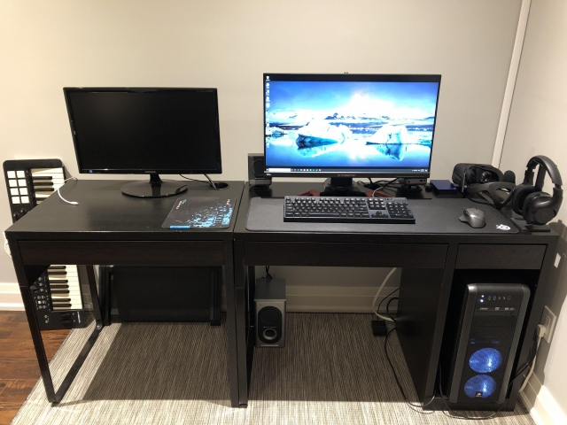 PC_Desk_164_37.jpg