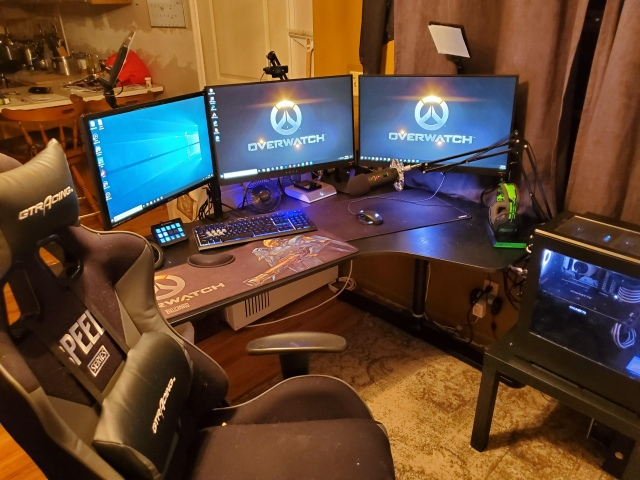 PC_Desk_164_49.jpg