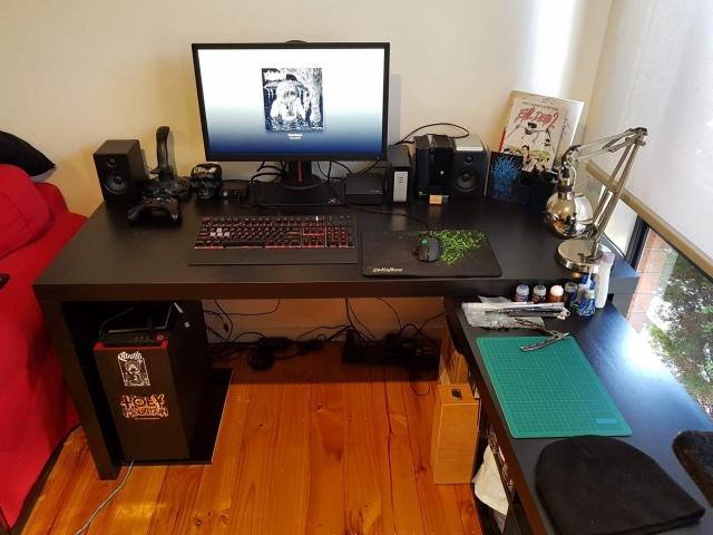 PC_Desk_164_66.jpg
