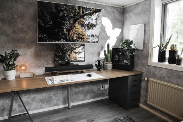 PC_Desk_164_68.jpg