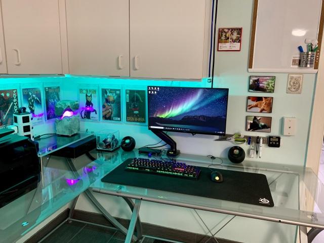PC_Desk_164_69.jpg