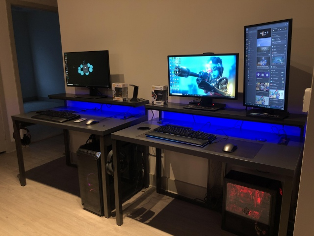 PC_Desk_164_72.jpg