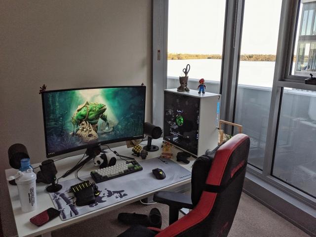 PC_Desk_164_74.jpg
