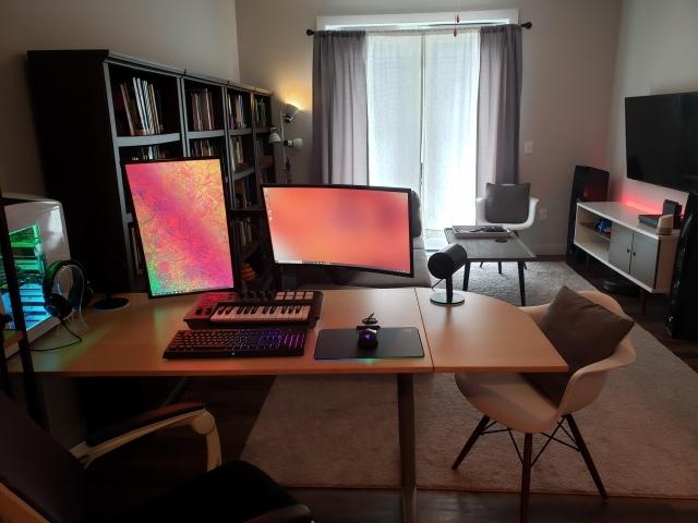 PC_Desk_164_78.jpg