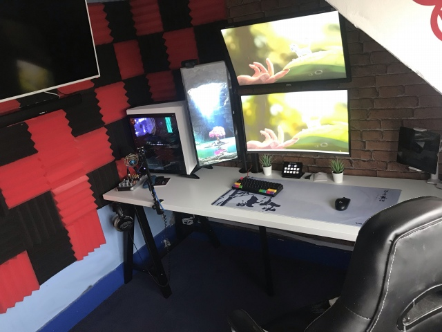 PC_Desk_164_81.jpg