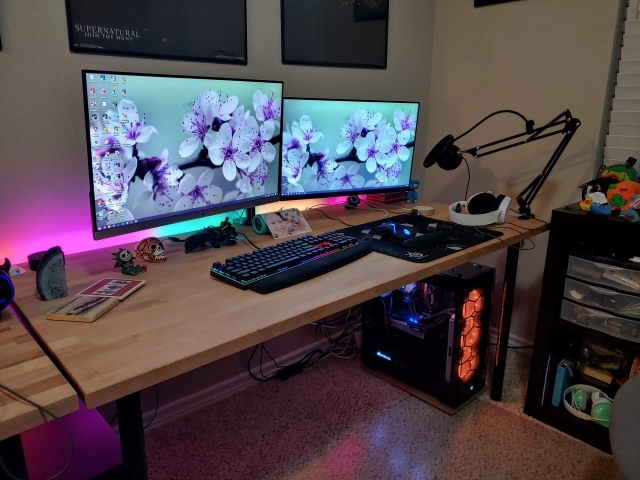 PC_Desk_164_86.jpg