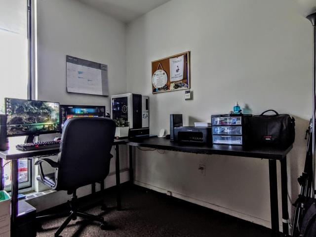 PC_Desk_164_94.jpg
