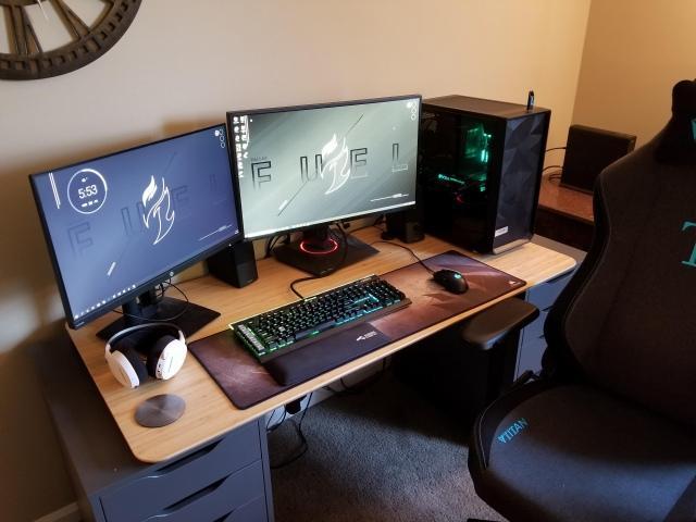 PC_Desk_165_14.jpg