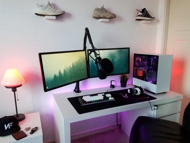 PC_Desk_165_15.jpg