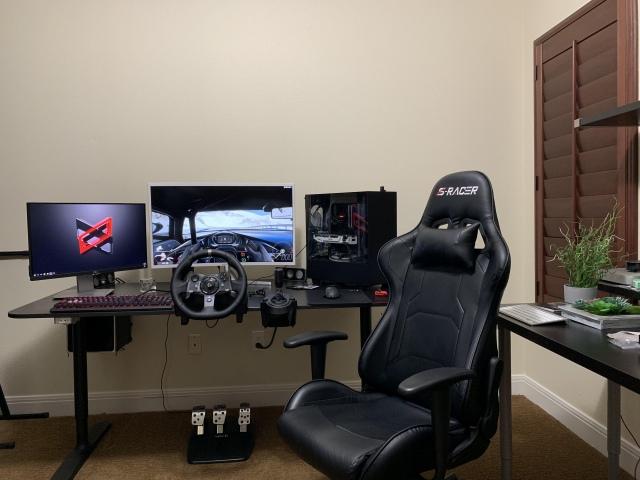 PC_Desk_165_16.jpg