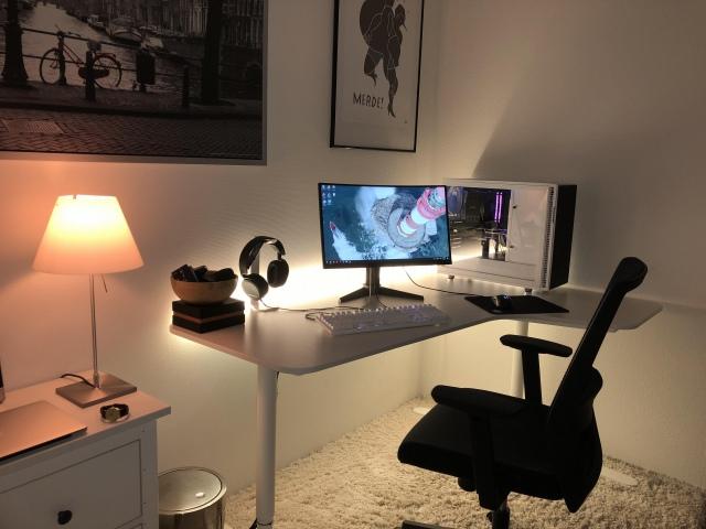 PC_Desk_165_28.jpg