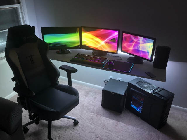 PC_Desk_165_33.jpg