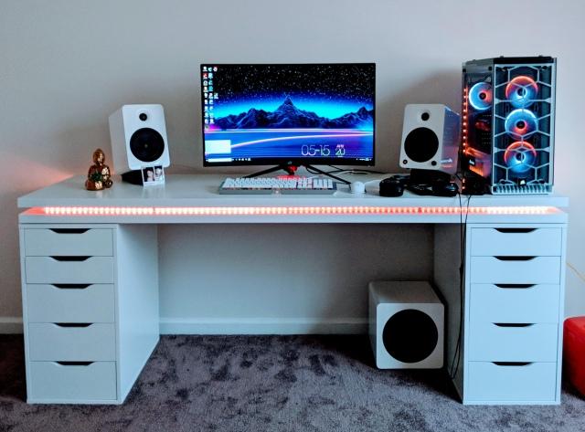 PC_Desk_165_46.jpg