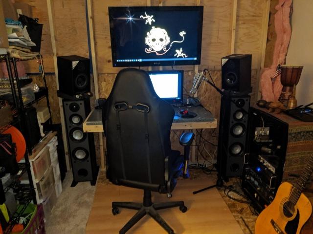PC_Desk_165_47.jpg