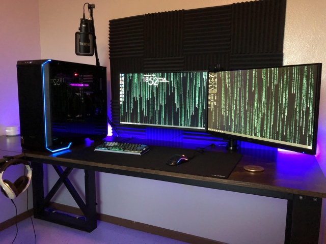 PC_Desk_165_58.jpg