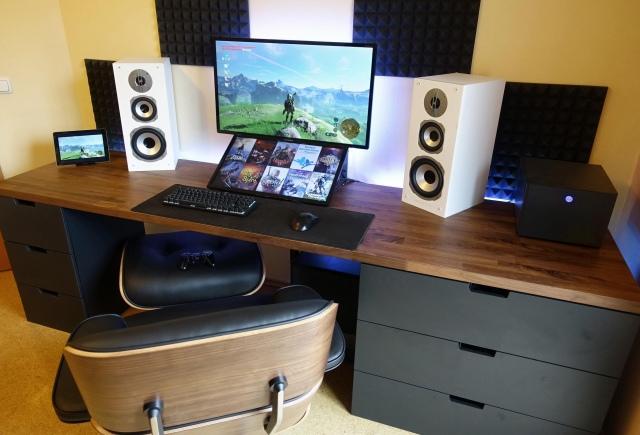 PC_Desk_165_63.jpg