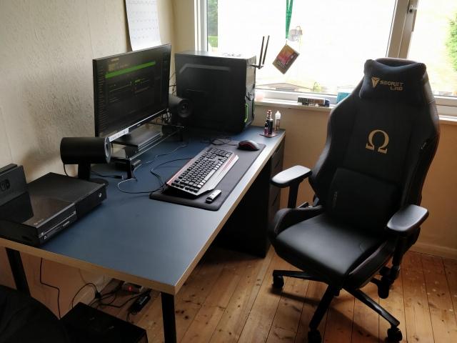 PC_Desk_165_71.jpg