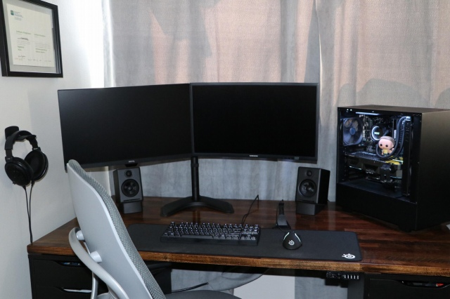 PC_Desk_165_86.jpg