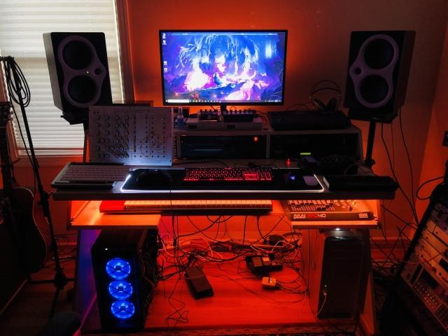 PC_Desk_165_92.jpg