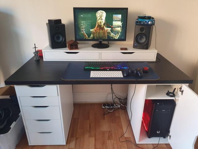 PC_Desk_165_96.jpg
