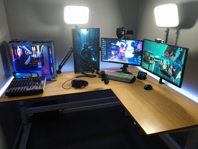 PC_Desk_165_97.jpg