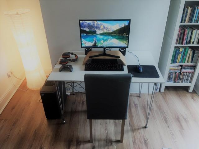 PC_Desk_166_02.jpg