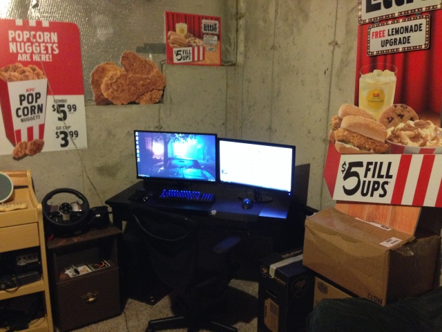 PC_Desk_166_06.jpg