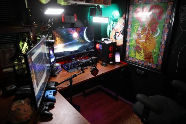 PC_Desk_166_11.jpg