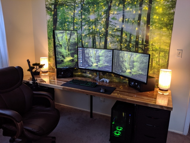 PC_Desk_166_16.jpg