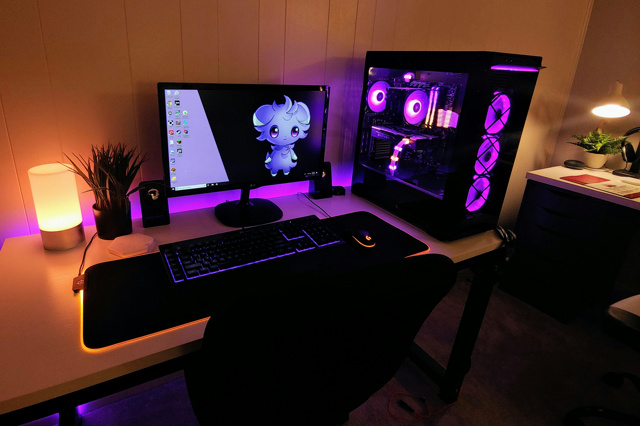 PC_Desk_166_28.jpg