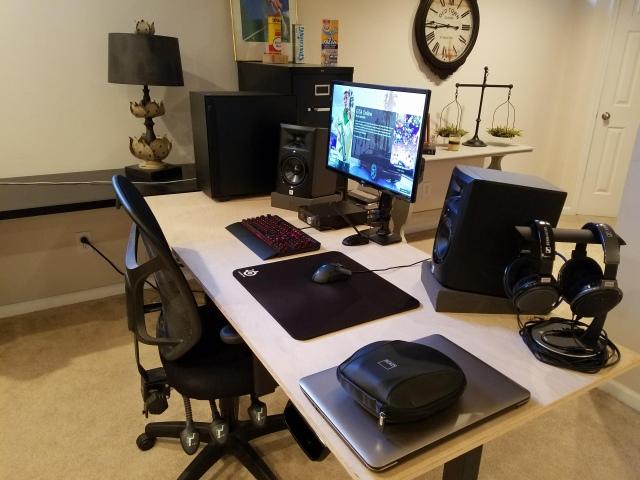 PC_Desk_166_45.jpg