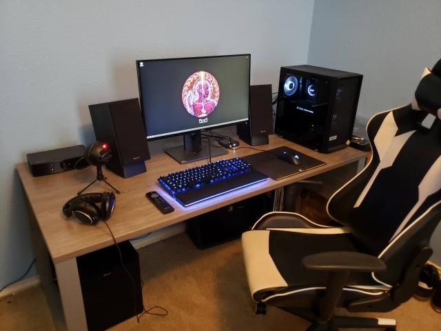 PC_Desk_166_47.jpg