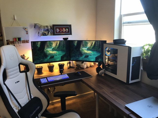 PC_Desk_166_55.jpg