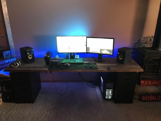 PC_Desk_166_56.jpg