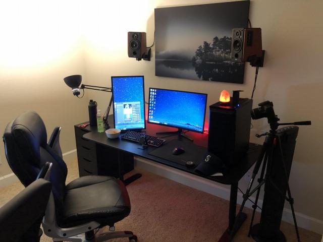 PC_Desk_166_58.jpg