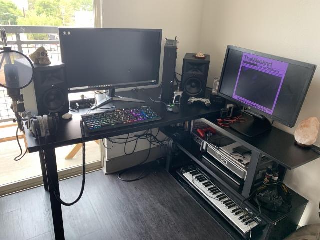 PC_Desk_166_64.jpg