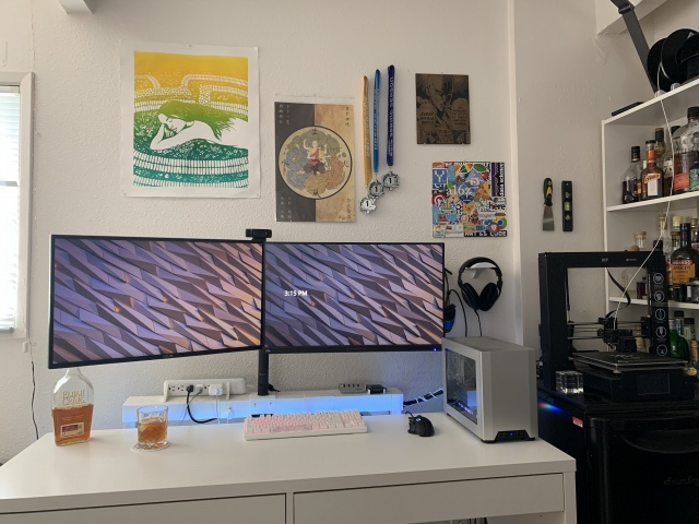 PC_Desk_166_74.jpg