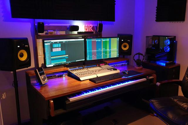 PC_Desk_166_86.jpg