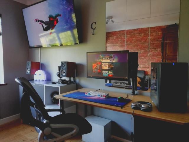 PC_Desk_166_90.jpg