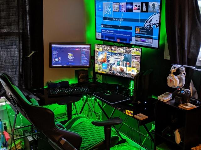 PC_Desk_167_04.jpg