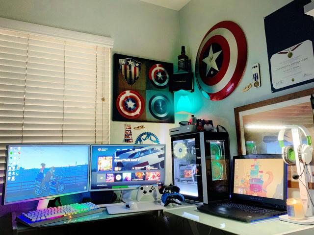 PC_Desk_167_09.jpg