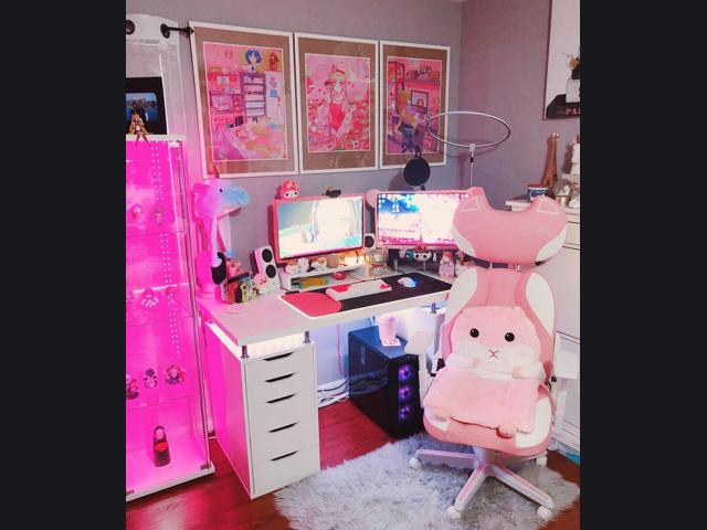 PC_Desk_167_21.jpg