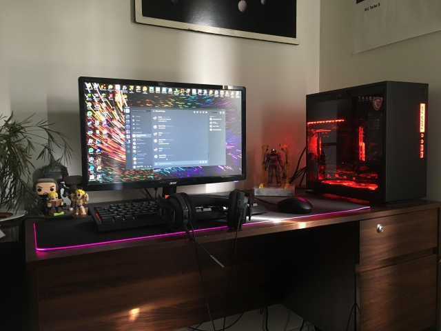 PC_Desk_167_25.jpg