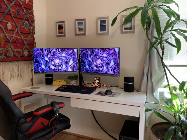 PC_Desk_167_32.jpg