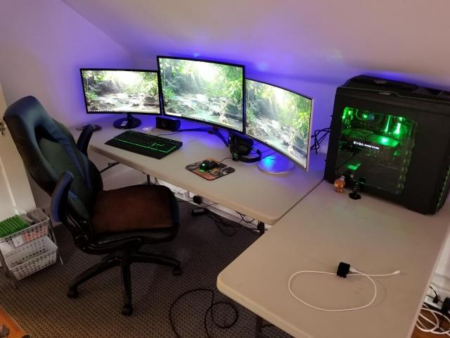 PC_Desk_167_54.jpg