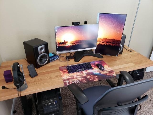 PC_Desk_167_77.jpg