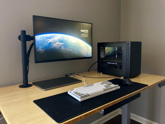 PC_Desk_167_82.jpg