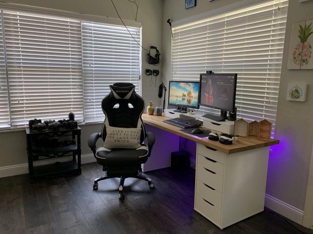 PC_Desk_167_89.jpg