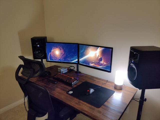 PC_Desk_167_90.jpg