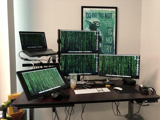 PC_Desk_167_94.jpg